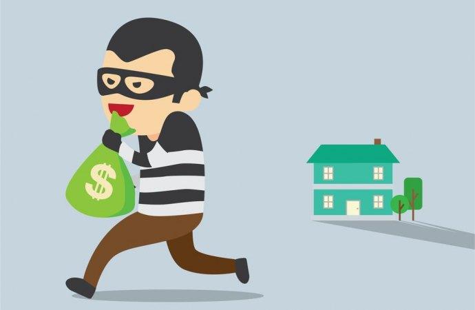 Se il ladro entra in casa passando per il lampione non è colpa del comune.
