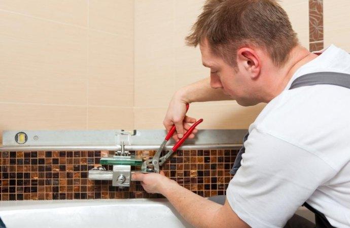 Miscelatore della doccia, chi paga la sostituzione? Il proprietario o il conduttore?
