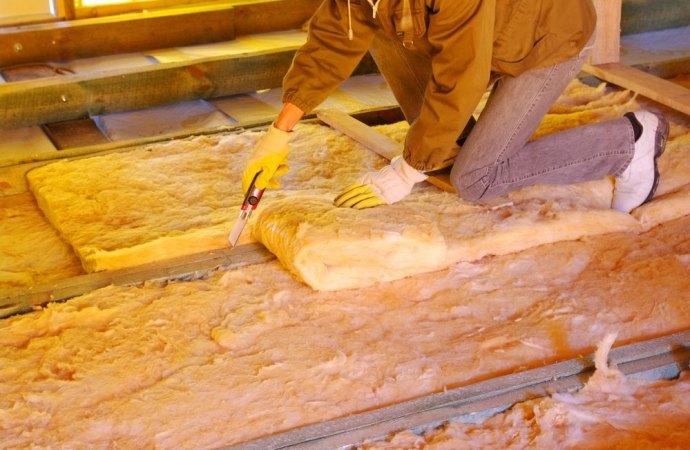 La ristrutturazione del solaio abbassa il soffitto dell'immobile sottostante: scatta il risarcimento?
