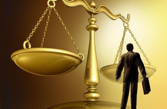 L'avvocato non può autenticare la sottoscrizione di un atto costitutivo di diritti immobiliari. Arriva lo stop della Corte di Giustizia