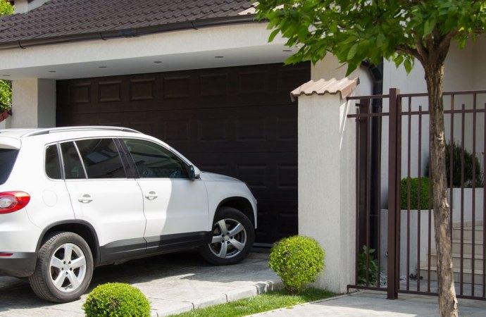 Ripartizione spese per acquisto e installazione basculante per l'autorimessa condominiale