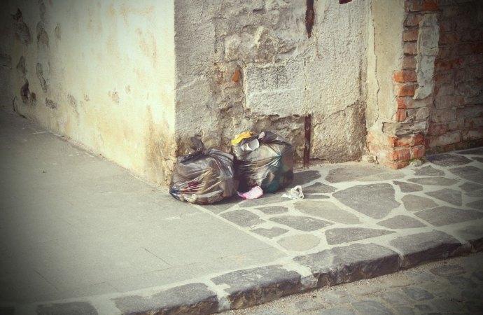 Abbandono di rifiuti in condominio
