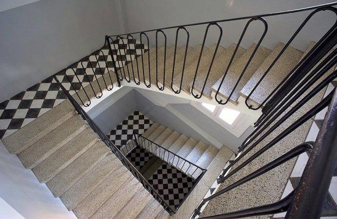 Pulizia scale condominiali dopo lavori in appartamento