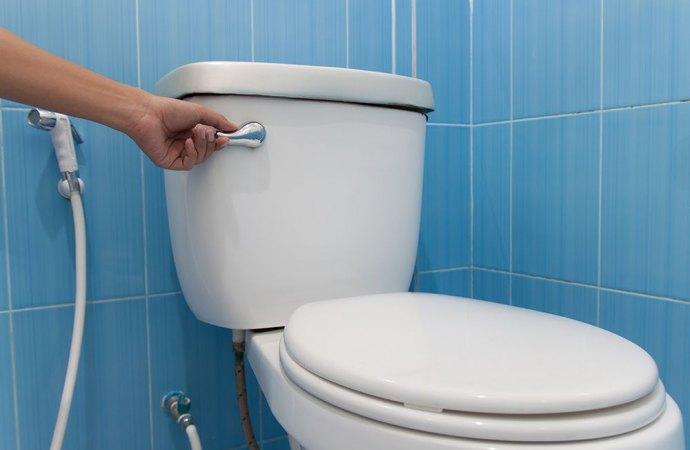 Chi paga la sostituzione dello sciacquone del wc?