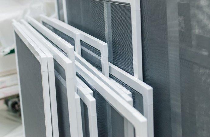 Il condominio non può vietare la zanzariera rimovibile, apposta sul balcone di proprietà esclusiva