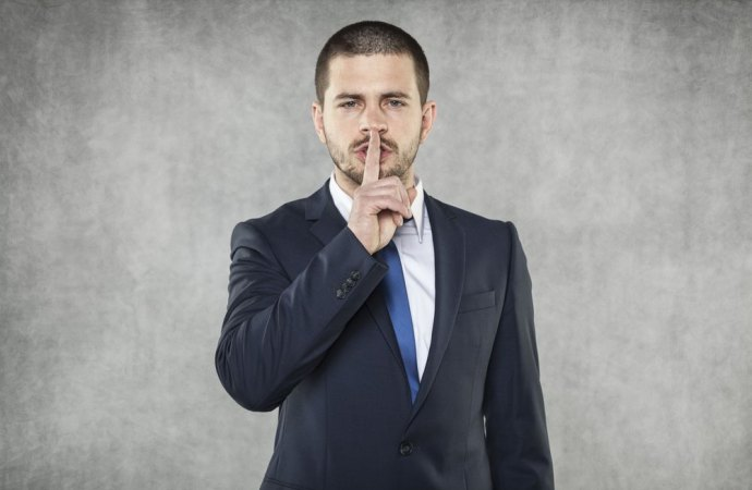 Non commette reato l'amministratore che non comunica la sentenza ai condòmini
