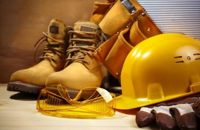 Lavori edili in condominio, è obbligatorio nominare un direttore dei lavori?