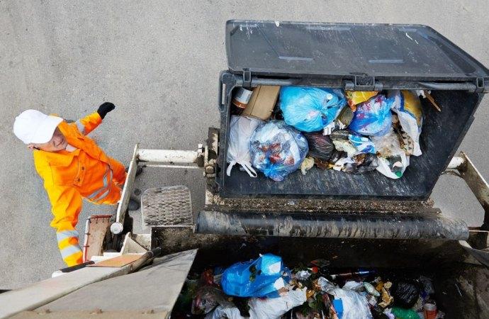 L'applicazione dell'IVA sulla tassa dei rifiuti è illegittima. Il Tribunale di Firenze conferma l'orientamento.