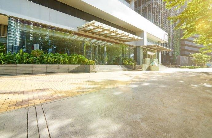 Come si regolano i rapporti tra condominio e utilizzatore in leasing di unità immobiliare?