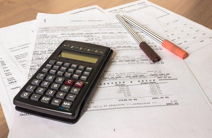 La mancata esibizione della documentazione di spesa rende annullabile la delibera condominiale di approvazione del consuntivo ed il relativo riparto di gestione