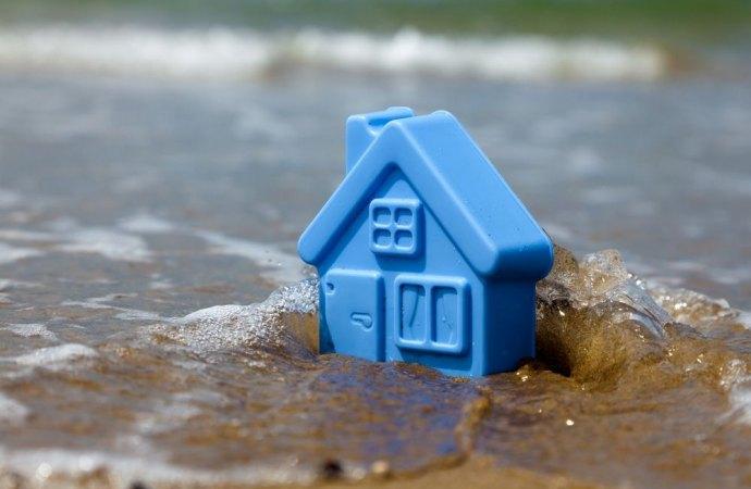 Danni da alluvione. Chi non partecipa alla mediazione rischia la condanna alle spese anche se non perde la causa