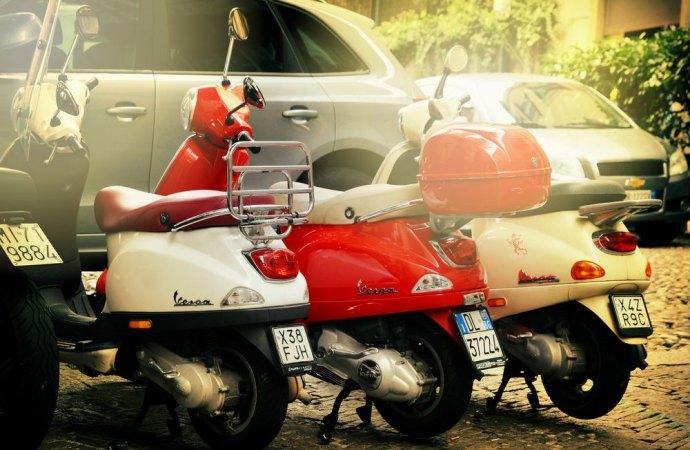 Vincolo di destinazione a parcheggio, l'amministratore è legittimato ad agire in giudizio.