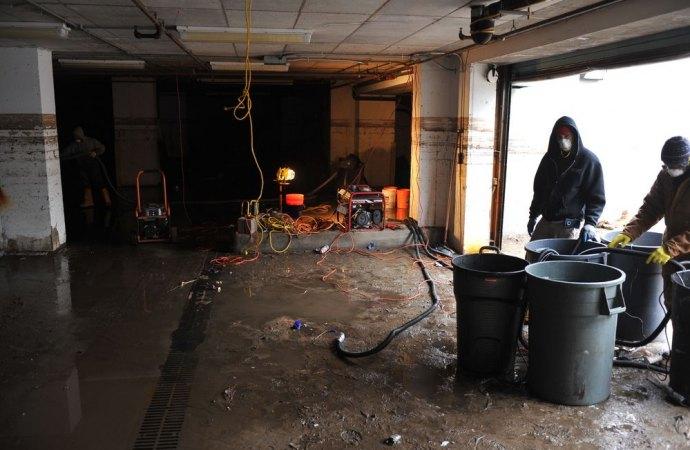 Infiltrazioni in condominio, come si risarciscono i danni?