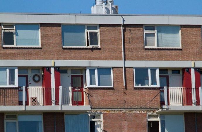 Crollo di un balcone. I danni a terzi sono a carico del proprietario e non del condominio. Una sentenza innovativa