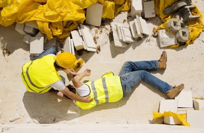 La responsabilità penale dell'amministratore di condominio verso l'incolumità pubblica nei luoghi di lavoro.