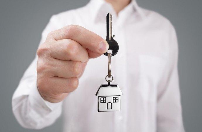 L'attività di affittacamere in condominio è consentita se non è espressamente vietata dal regolamento