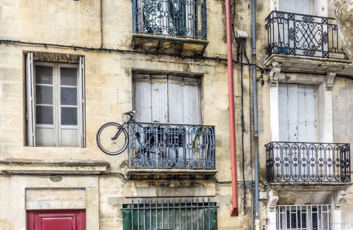 Distanza canna fumaria da balconi e finestre