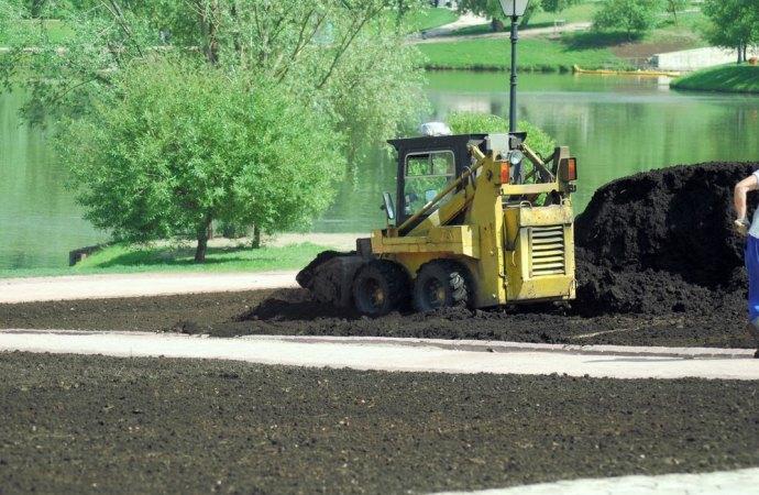 Si alla trasformazione del giardino in parcheggio se l'area è interessata solo in piccola parte da alberi.