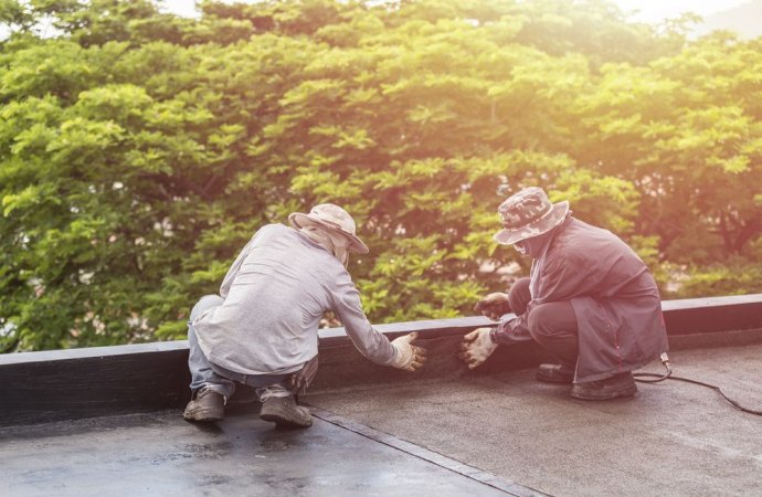 Manutenzione del terrazzo e vicino non collaborativo