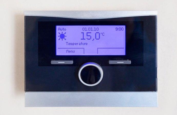 Nulla la delibera e la clausola del regolamento condominiale che vieta il distacco dall'impianto centralizzato di riscaldamento