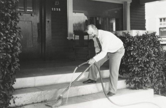 Ripartizione della spesa per la pulizia delle scale in condominio. La Cassazione detta le regole