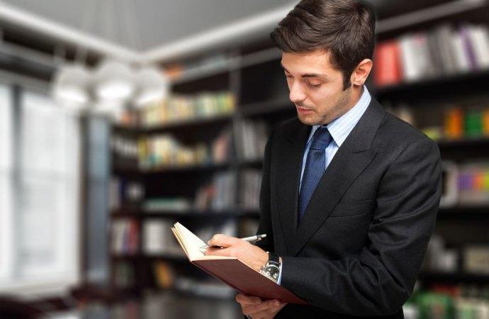 Abitazione trasformato in studio professionale: necessario il permesso di costruire.