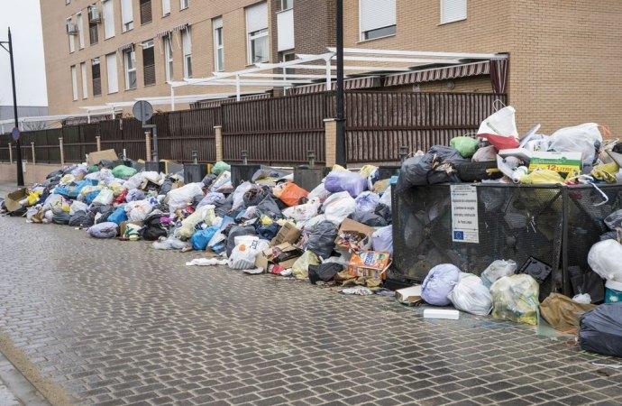 Tutela del decoro urbano. Se i condòmini non rispettano le norme sulla raccolta differenziata non è un problema dell'amministratore di condominio