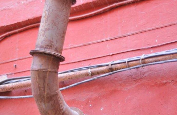 Eliminazione canne fumarie di proprietà esclusiva. Quando non possono essere decise dal condominio?