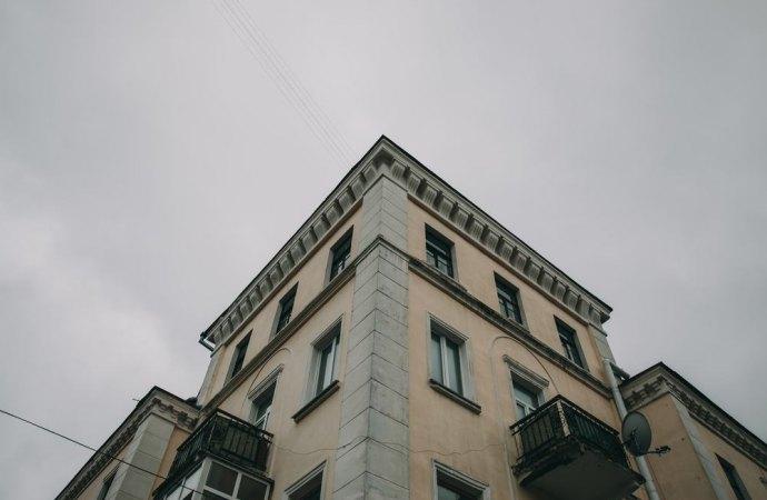 Intonaco esterno del condominio sbiadito. Per contestare la non corretta esecuzione dei lavori, la ditta deve dimostrare la mancanza di qualità del prodotto