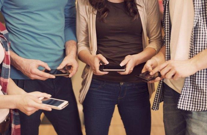 Adolescenti in condominio e nuove tecnologie: quando il silenzio fa rumore.