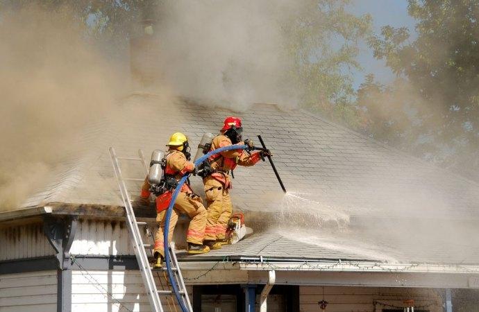 Responsabilità penale a causa di incendio a carico dell'amministratore di condominio per mancata adozione di cautele in tema di sicurezza antincendio