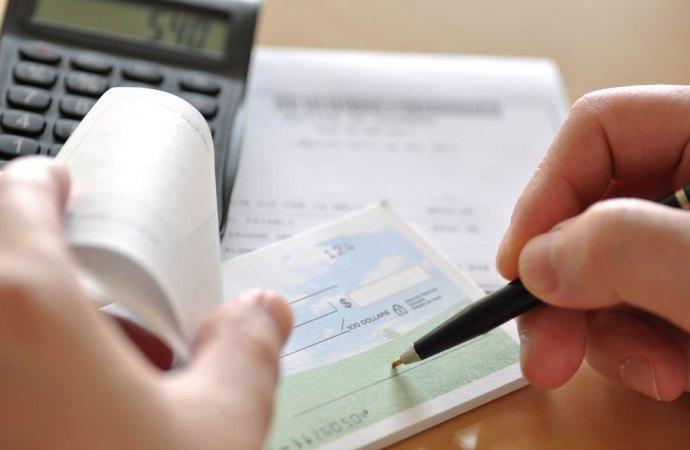 Non spetta alla banca controllare come l'amministratore utilizza il conto corrente condominiale