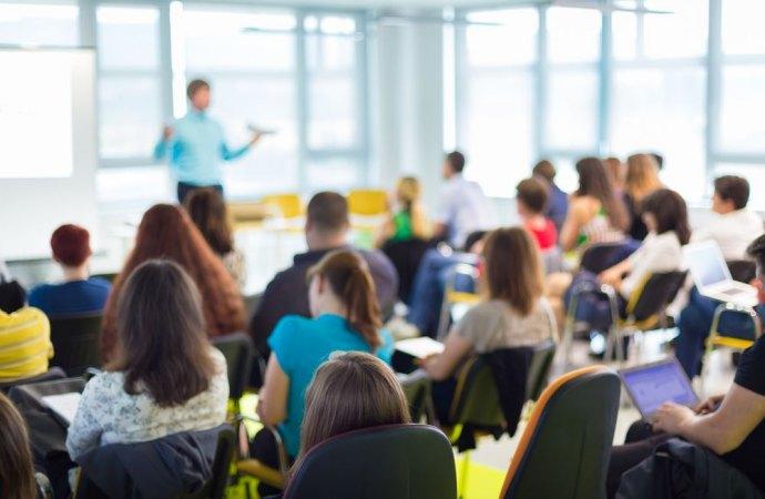 Formazione periodica amministratori condominiali, ore di frequenza e crediti formativi professionali