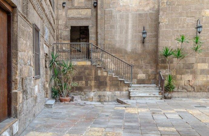 Lavori manutenzione pavimentazione cortile condominiale