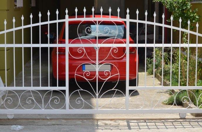 Posso non pagare le spese per il cancello automatico?
