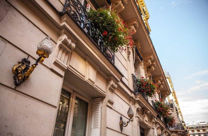 Trasformazione di cornicioni condominiali in balconi: quali limiti?