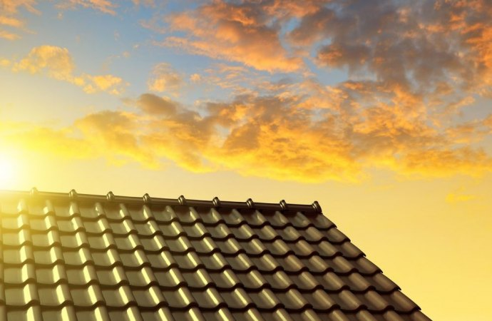 Quando è possibile disporre la demolizione di una tettoia sul cortile condominiale?