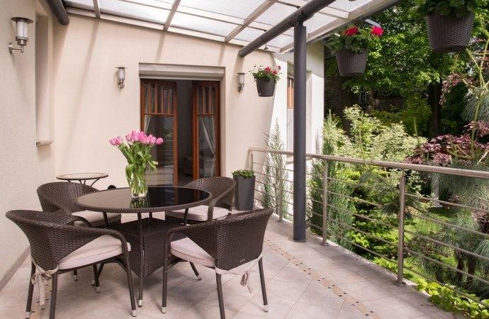 Veranda realizzata sulla balconata: occorre il permesso di costruire