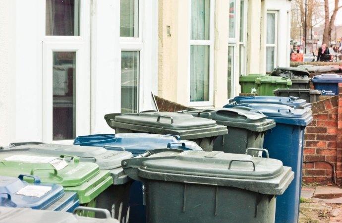 Raccolta dei rifiuti. Spetta all'assemblea condominiale individuare le nuove modalità di espletamento del servizio comune