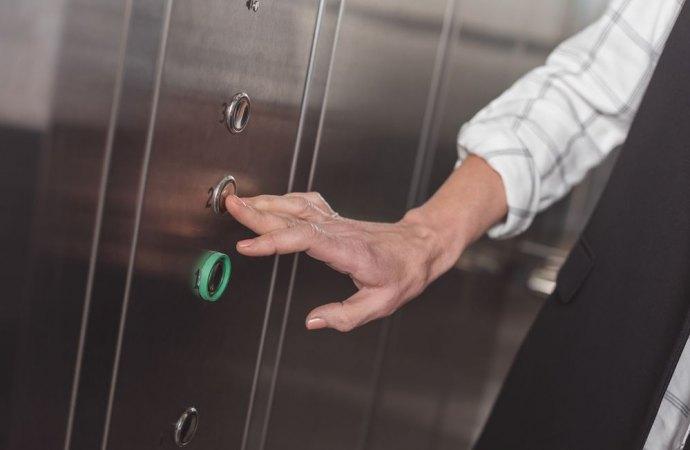 L'installazione di un impianto ascensore non rientra nella ristrutturazione edilizia.