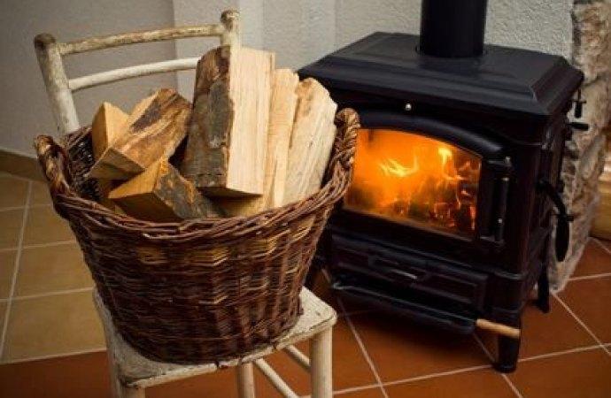 È consentita l'installazione di una stufa a pellet in condominio, purchè nel rispetto della normativa per lo scarico dei fumi