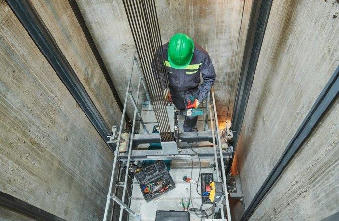 Il singolo condòmino può installare autonomamente, a sue spese, l'ascensore in condominio