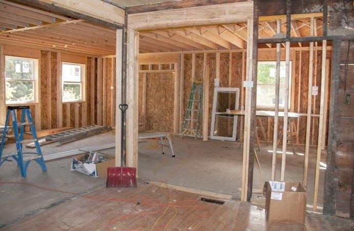 L'amministratore di condominio può denunciare gli abusi edilizi commessi dai condòmini?