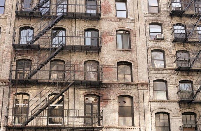Le limitazioni legali della proprietà ed i concetti di ristrutturazione,ricostruzione e nuova costruzione.