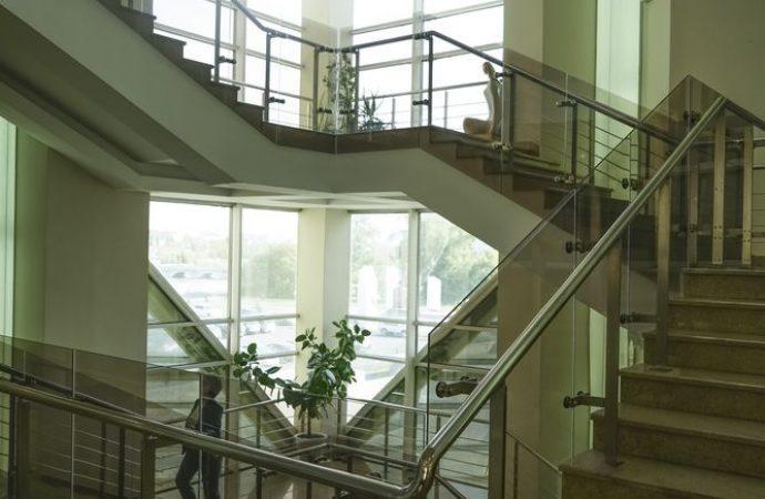 Ripartizione spese illuminazione e pulizia della scale: non si