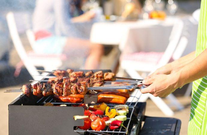 Fumi e odori provenienti dal barbecue: quando la diatriba è tra vegani e carnivori
