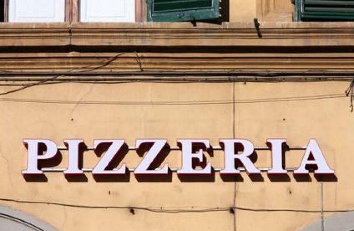 Nessun risarcimento per i fumi della pizzeria in condominio se il danno non è attuale e concreto