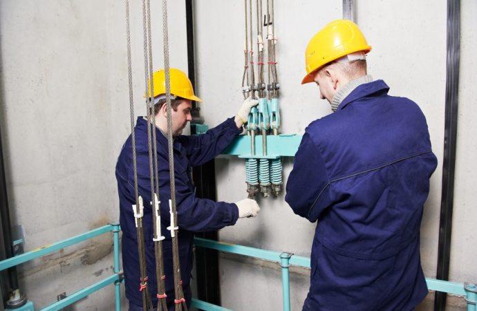 """L'impresa che cura la manutenzione dell'ascensore deve """"manlevare"""" il condominio dai danni derivanti dal malfunzionamento"""