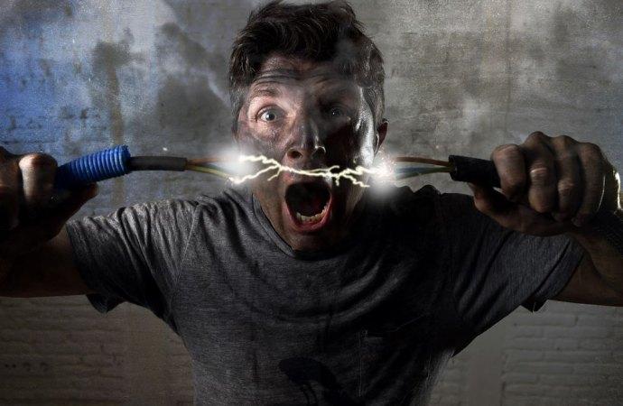 Impianto elettrico difettoso: un uomo fulminato diventa balbuziente. Profili di responsabilità