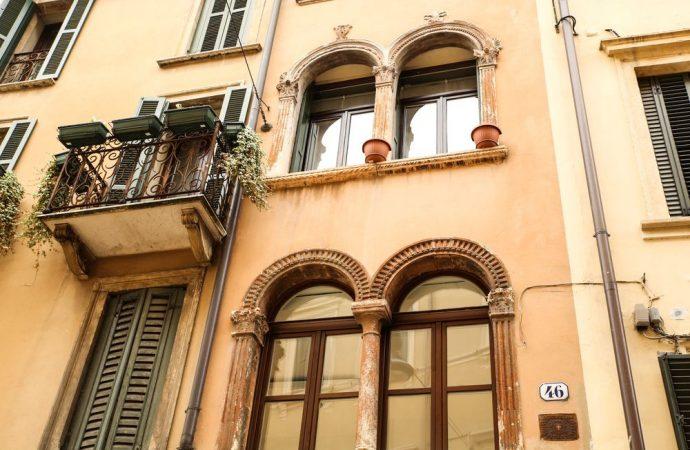 Condòmino con più appartamenti in causa col condominio e spese legali